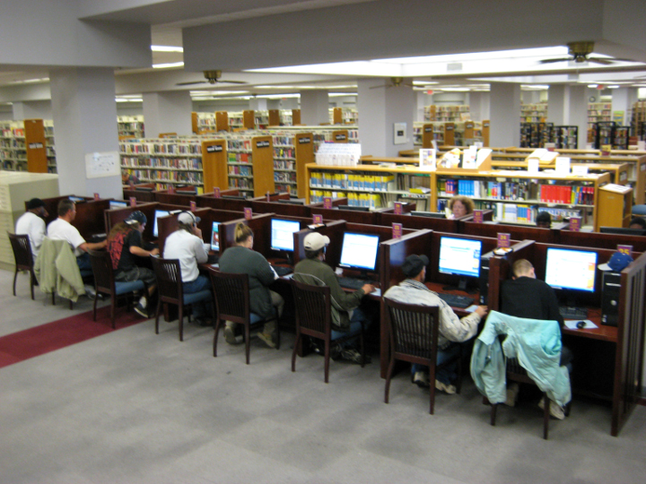 Fort_Worth_Library_Computer_Lab2