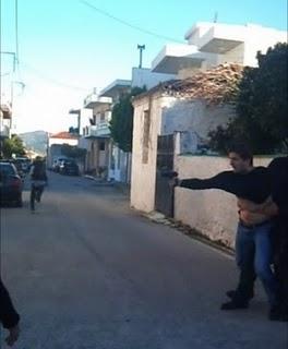 """""""Αξιότιμος"""" αστυνομικός επί το έργον στην Κερατέα"""