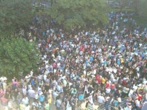 15 χιλιάδες στους δρόμους ΤΩΡΑ