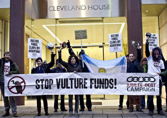 argentina-vulture-protest-large